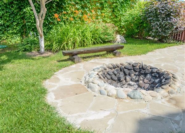Quelques Astuces Pour Bien Aménager Un Foyer Extérieur En Pierre - Construire un foyer exterieur en pierre