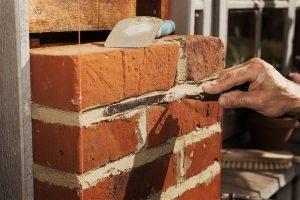 mur-brique-restauration-apres-hiver