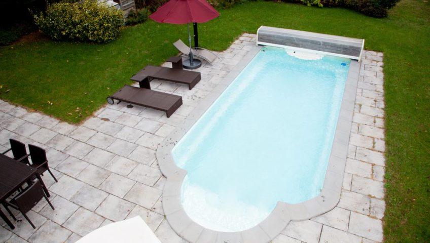bordure-piscine-en-pierres
