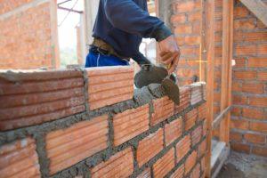 Mortier pour joints de brique de qualité.